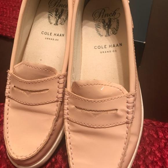 3daa44cd5af Cole Haan Shoes - Women Colé Haan pinch weekender size 6
